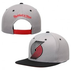 Portland Trail Blazers - Mitchell & Ness Reflective XL Current Logo NBA Čiapka