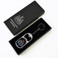 Prívesok na kľúče NEWCASTLE UNITED F.C. 3v1 / prívesok, otvárač, baterka